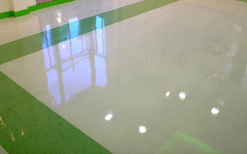 Limpieza y mantenimiento de suelos de resina en Valencia y alrededores