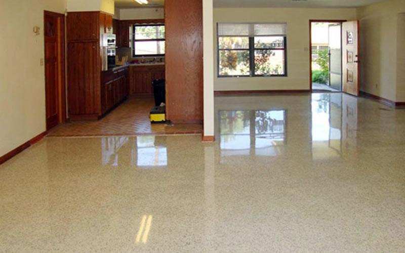 Piso de terrazo extra claro de pintura epoxi piso de for Azulejo vitrificado